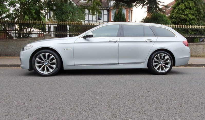 BMW 5 Series 2017  2.0 520d Luxury Touring 5dr full